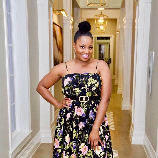 ☀️ #MorenaMonday feat. Obia Ewah (@obiaewah) - So here's an amazing #femalefounder to start off your Morena Monday. Obia Ewah, founder of @obianaturals, was actually on track to become a doctor 👩🏾⚕️ prior to becoming an entrepreneur. She holds degrees in both Chemistry and Biology, as well as a master's degree in Public Health! Now, she combines her background in science with her entrepreneurial spirit to create clean beauty products for fellow #wavies and #curlies! 🌿 . 📸: @ndeipi_mudiaspora . #togethermorena #naturalbeauty #femmepreneur #womenentrepreneurs #blackownedbusiness