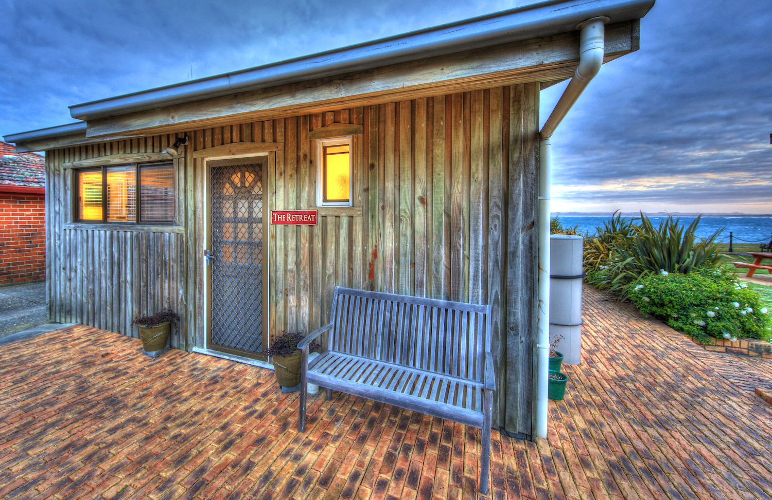 Stanley Village Waterfront Accommodation - The Retreat