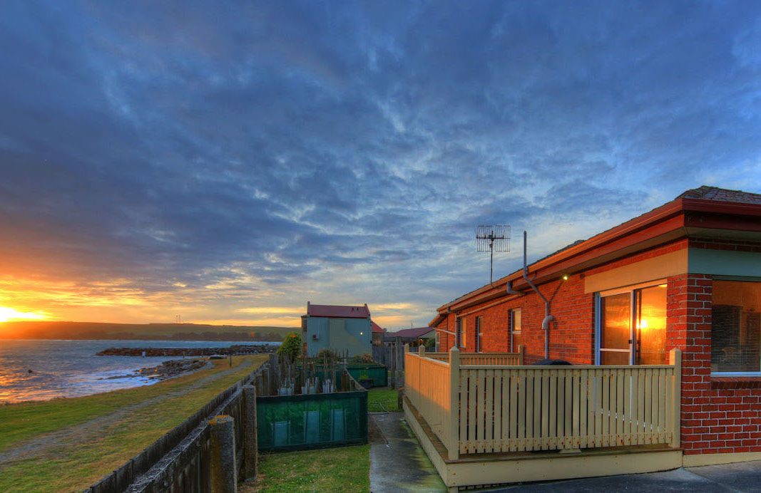 Stanley Village Waterfront Accommodation - The Anchorage