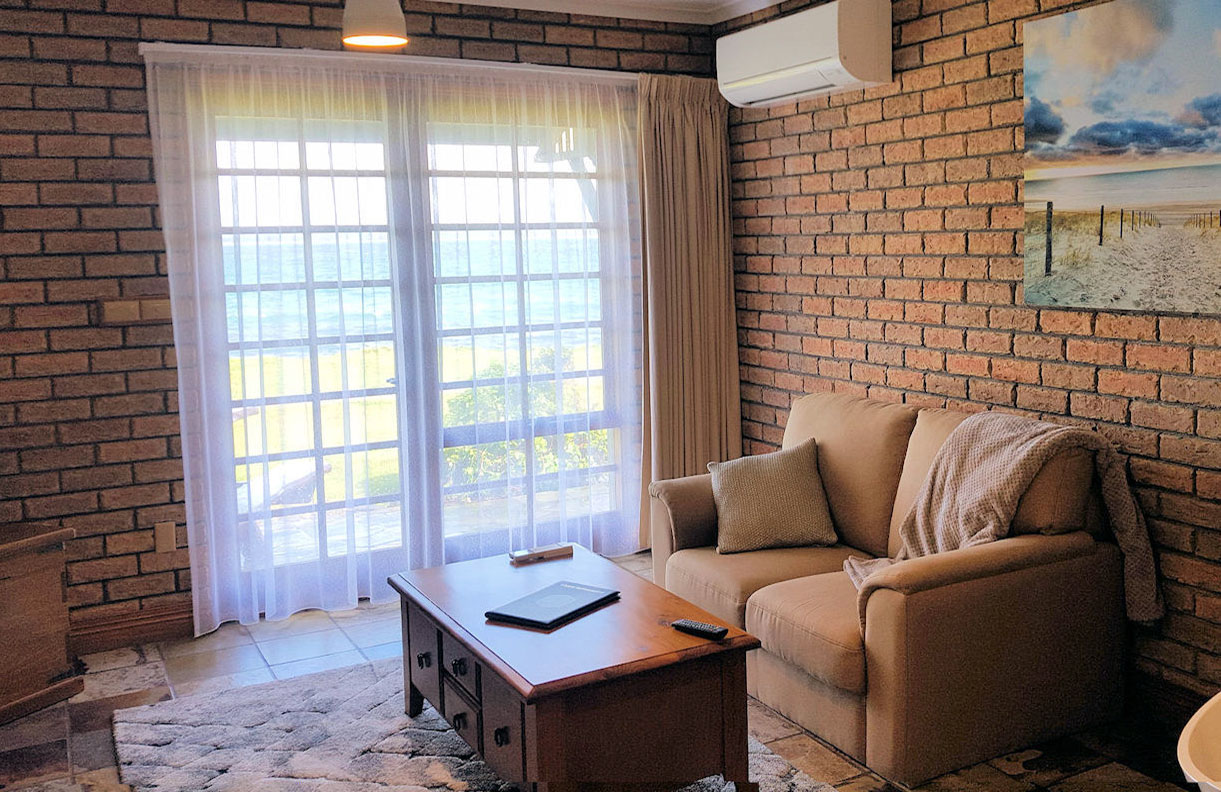 Stanley Village Waterfront Accommodation - Bay Villa Apartments