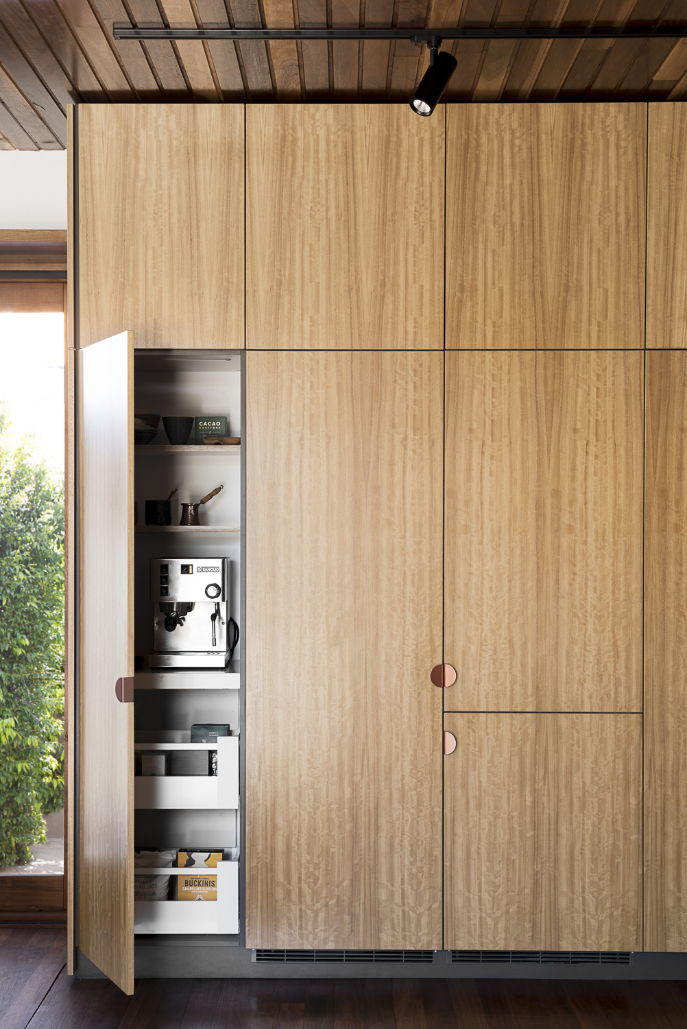 Cantilever K2 Kitchen System at Stewart Street for Stavrias Architecture (9).jpg