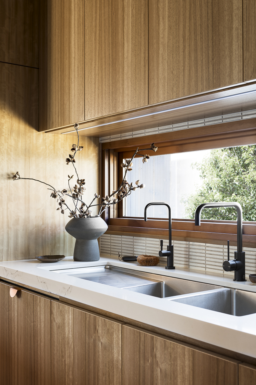 Cantilever K2 Kitchen System at Stewart Street for Stavrias Architecture (4).jpg