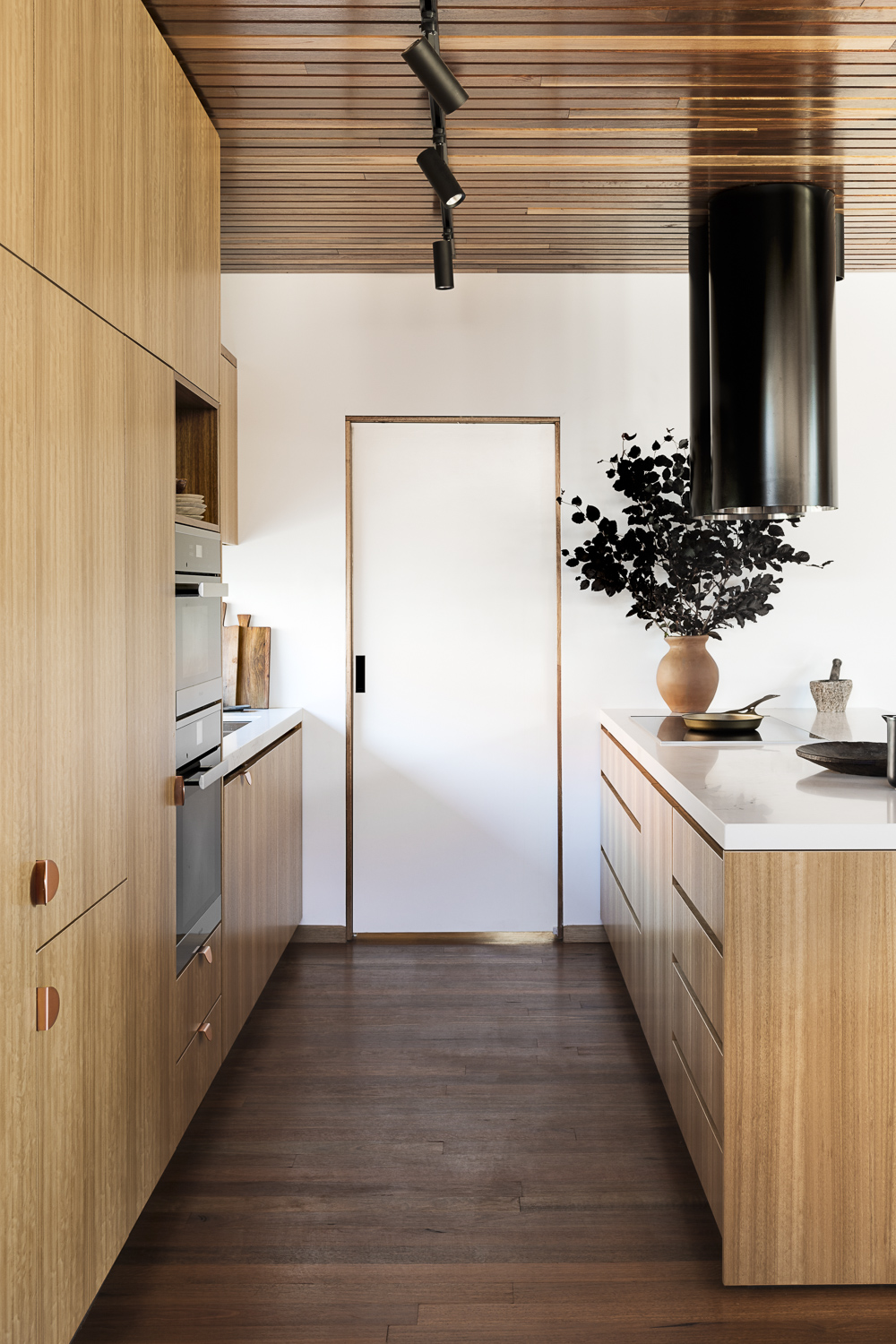 Cantilever K2 Kitchen System at Stewart Street for Stavrias Architecture (13).jpg