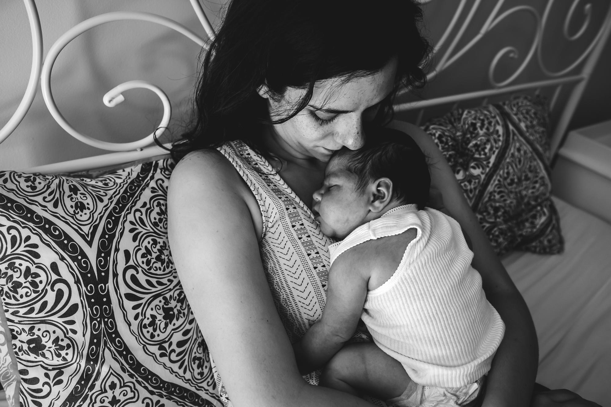 skin to skin baby photography