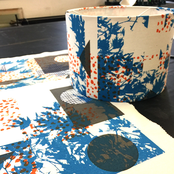 Print and make your own light shade or cushion £90BOOKING LINK - Sunday 25th August 10am - 4.30pmSunday 13th October 10am - 4.30pmIn these 1 day workshops you'll be introduced to screen print techniques that will enable you to create your own unique design and take home your own Hand printed light shade/cushion.