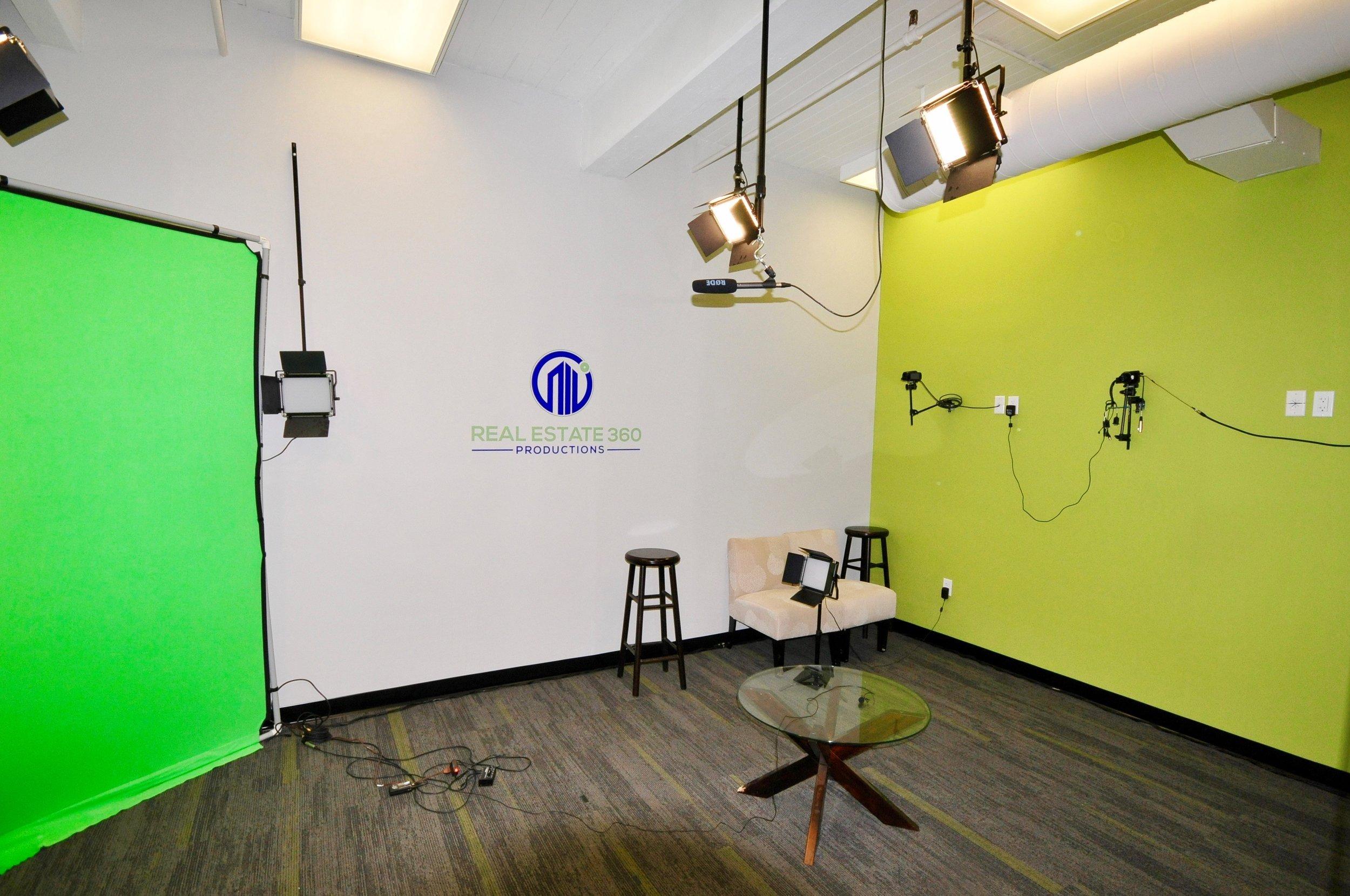 Studio wide lens2.jpg