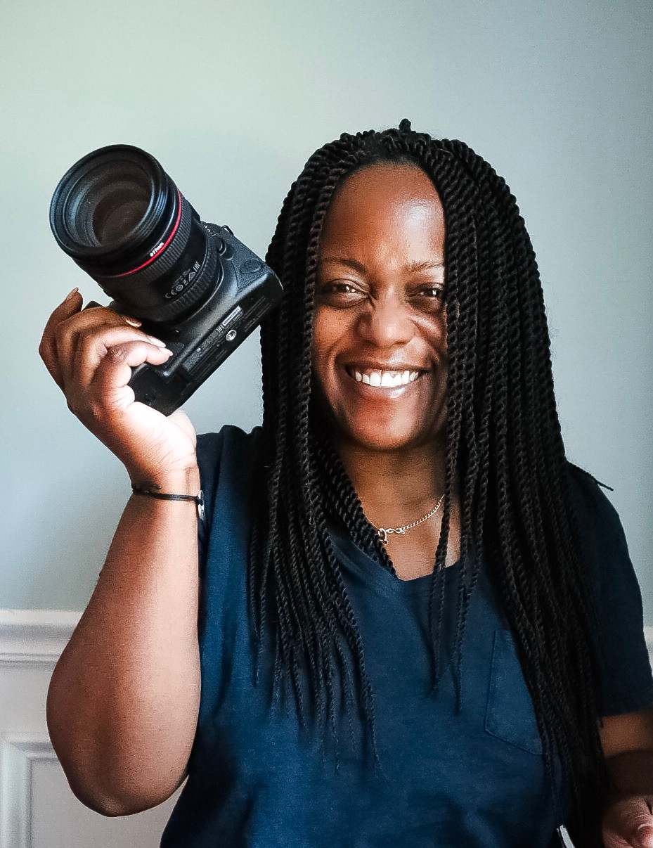 Episode 1: LaShawn Wiltz: Get in your family's photos! - Wife, Mother, Blogger celebrating the Everyday Eyecandy we sometimes miss.