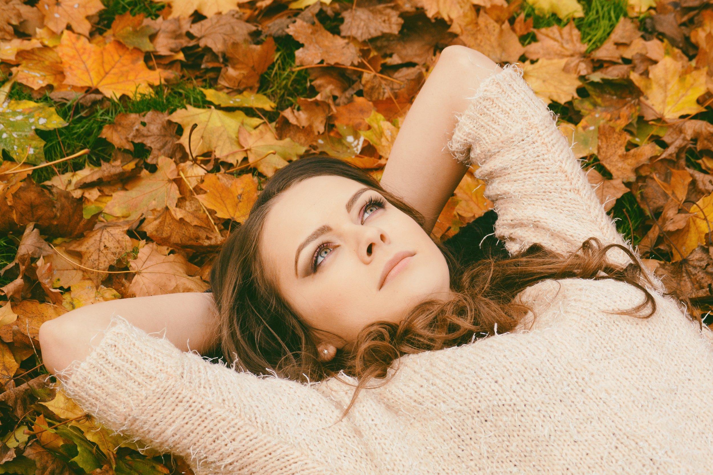 autumn-autumn-leaves-beautiful-694445.jpg