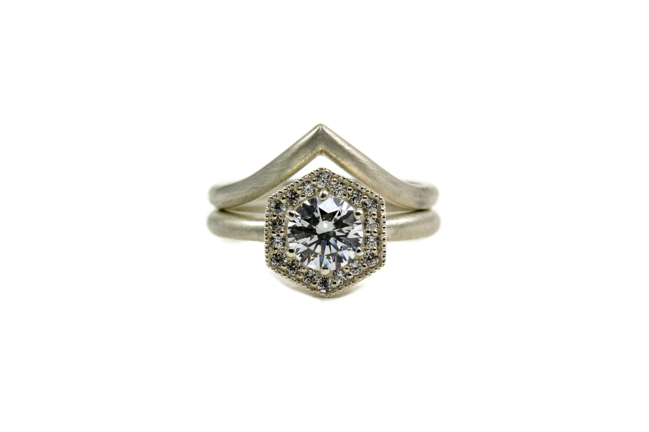 Halo Hexagon Solitaire with Chevron Band
