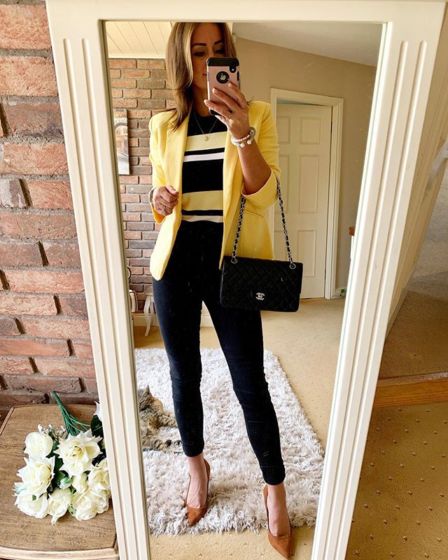 If the sun won't come to us....have to colour it up in us! 💛Bit of wardrobe digging and recycling, so just goes to show what my new clever little slim knit from @zara can do. Jeans @warehouseuk shoes @primark blazer @keepingyoustylish1 all jewellery @laurynrosejewellery 💛💛xx #mondayvibes #whatiwore #zara #pieces #recycling #wardrobe #lookstyle #dailymotivation #instyle #fashionblog #instafashion #summerinireland #summeroutfit