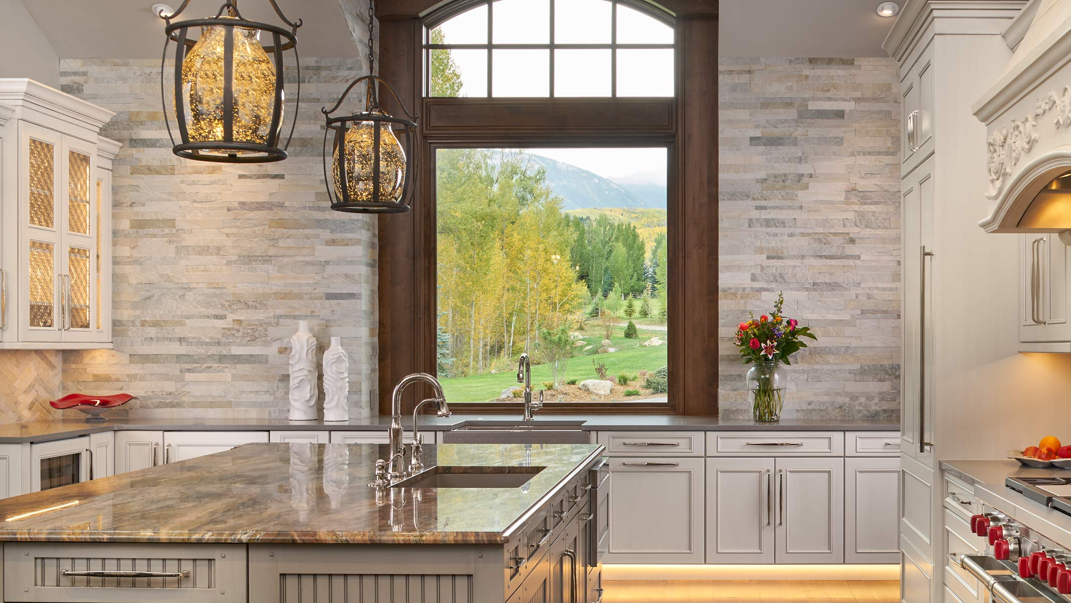 McCoy-Design-Neolith-Edwards-9-22-17-Kitchen-16X9-Web.jpg