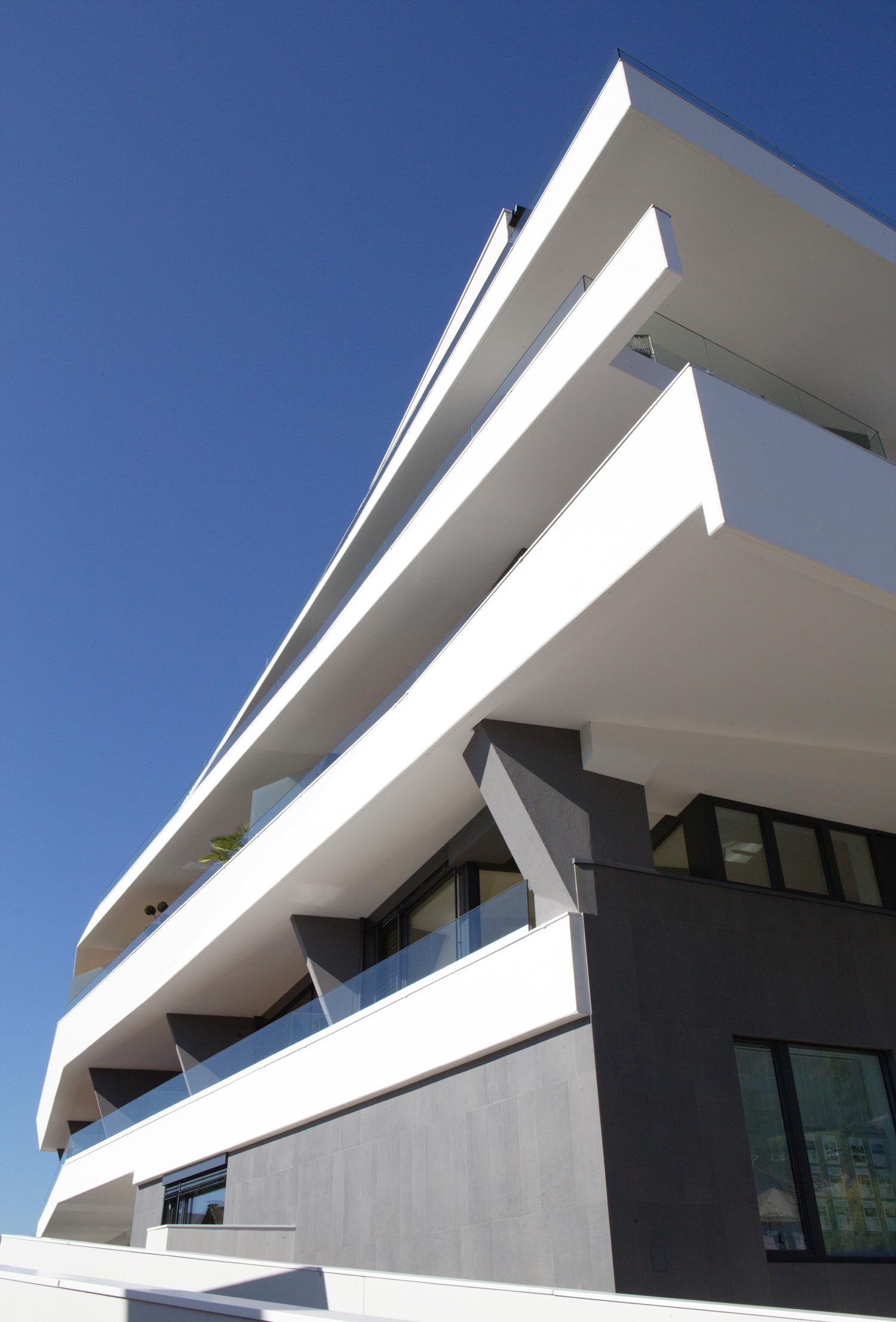A01 architects - Apartmenthouse Seeterrassen_(c)Nadine Bancard_web04.jpg