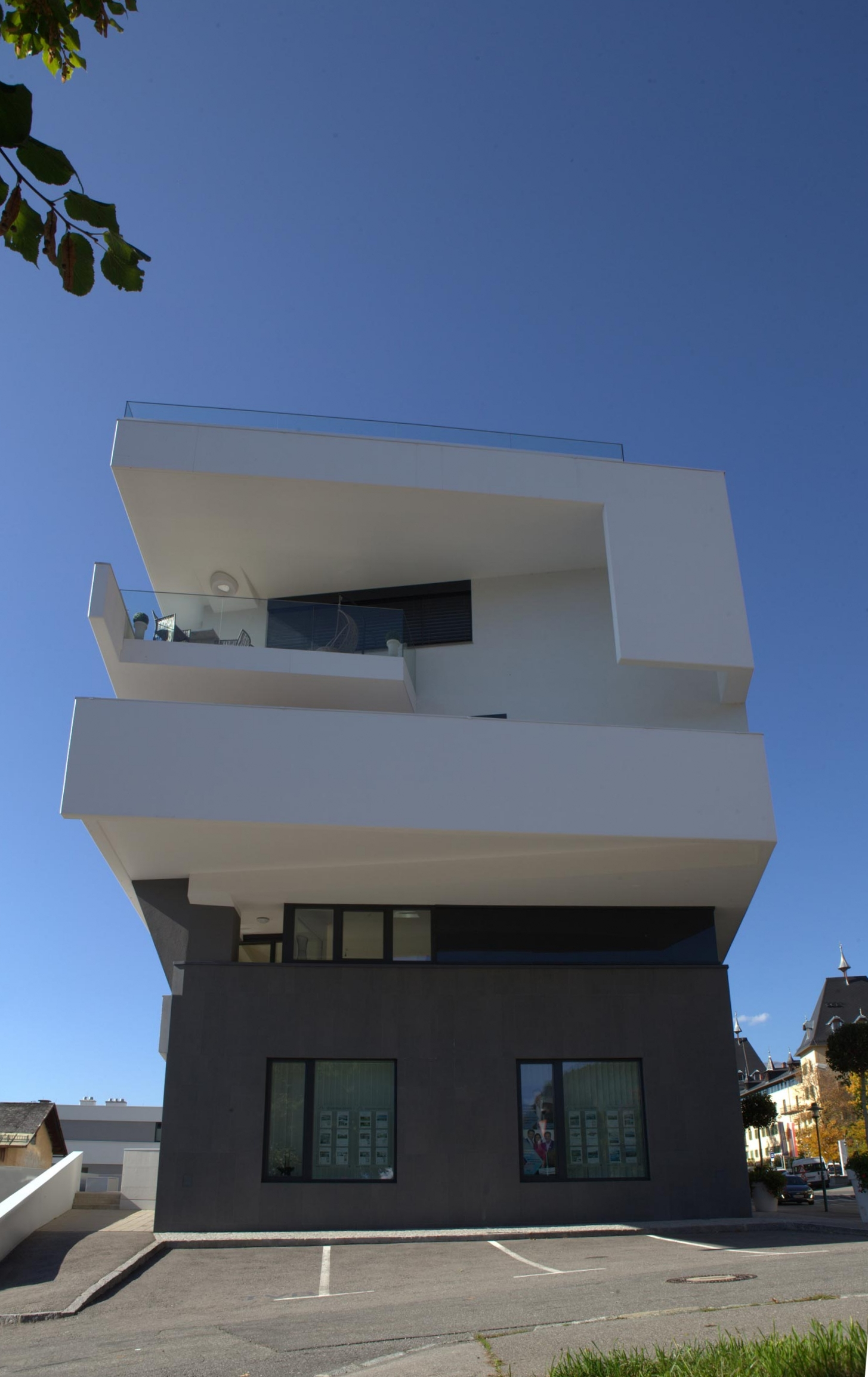 A01 architects - Apartmenthouse Seeterrassen_(c)Nadine Bancard_web03.jpg