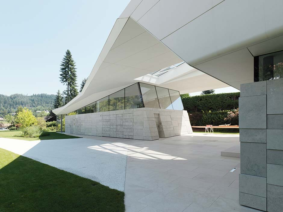 Architecture with shaped concrete - Feature in Architektur Zeitung