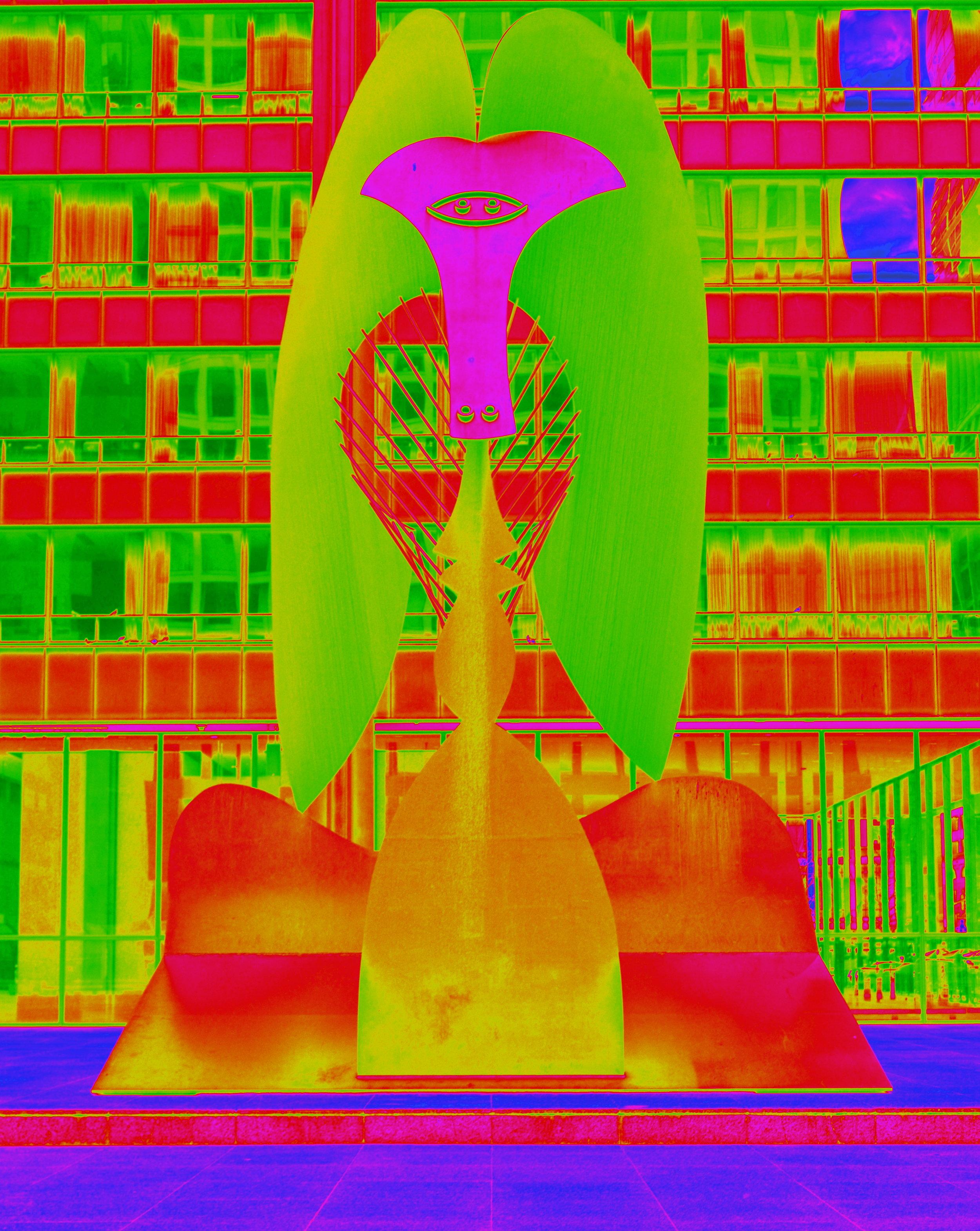 Picasso Statue in neon v1.JPG