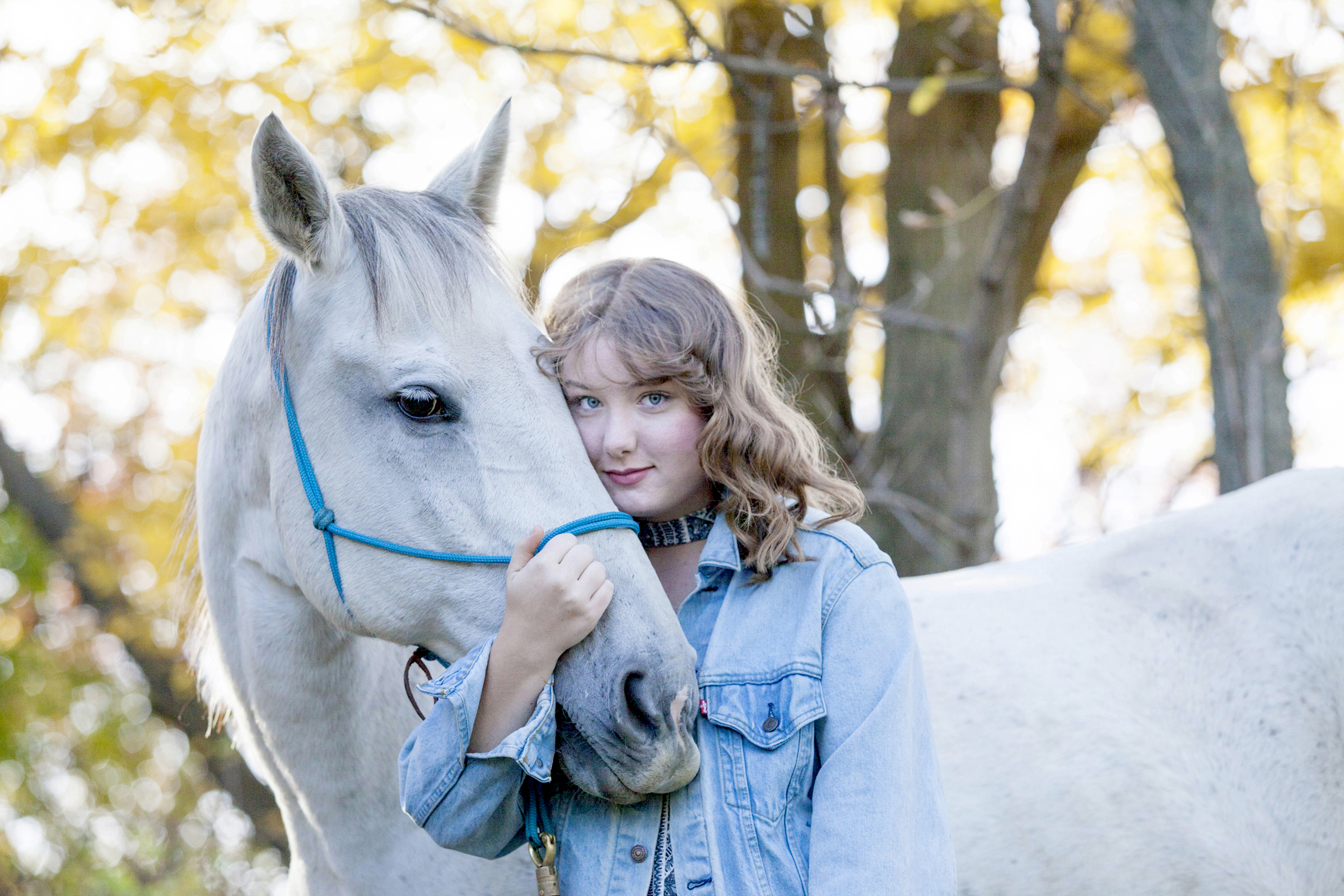 senior portrait photography with horse