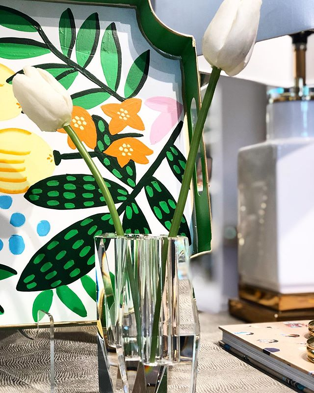 Entertaining? Swing by to shop all the new house happies to brighten up your summer! 🌸☀️🌷🍸