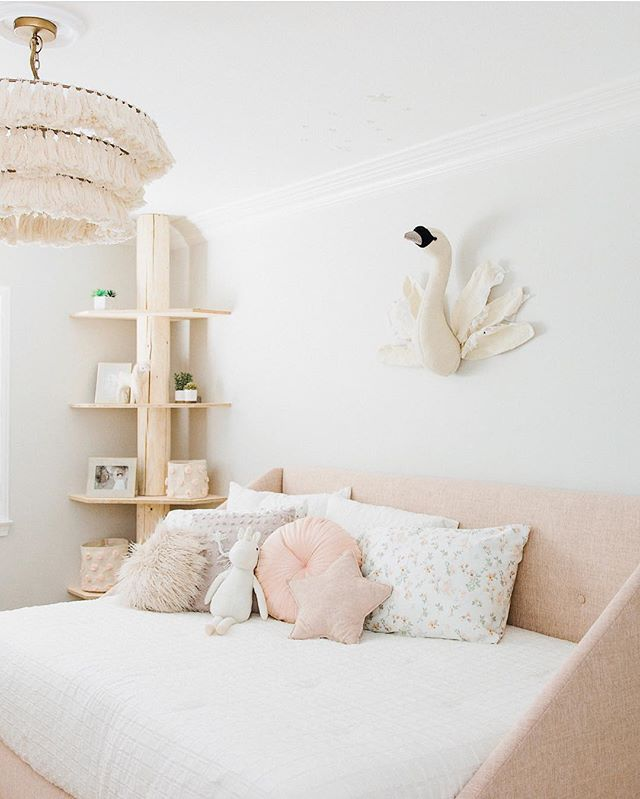 How sweet is this little girl's bedroom? Come stop by The Wonder Room to see the chandelier in person! 💕🌷 . . . #girlsroom #littlegirl #blush #pink #tassels #swan #interiordesign #design #whiteandcream #chandelier #brass #newportbeach #thatsdarling #costamesa #shoplocal #sweet #adorable #love #beauty