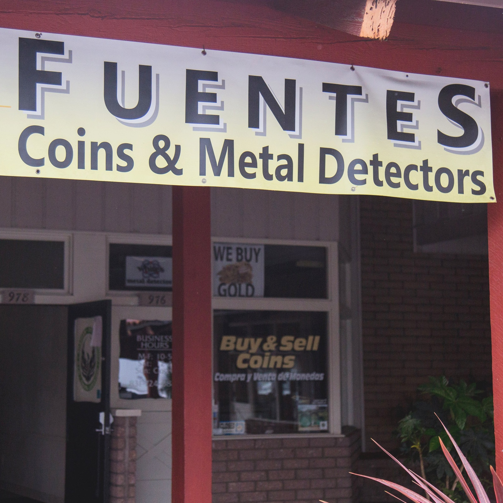 Fuentes Tosoros Coins   976 East Lake Ave. Watsonville, CA 95076  (831)724-0882