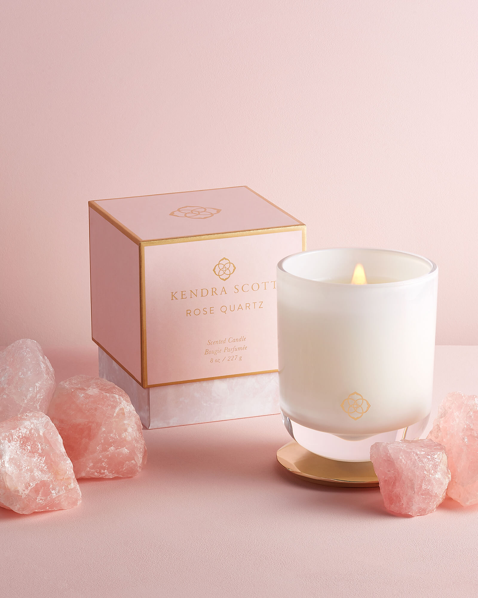 kendra-scott-rose-quartz-scented-soy-wax-blend-candle_02_default_lg.jpg