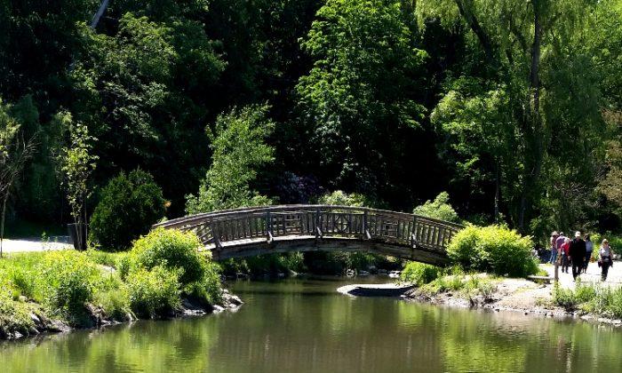 edwards-garden-bridge1-T-700x420.jpg