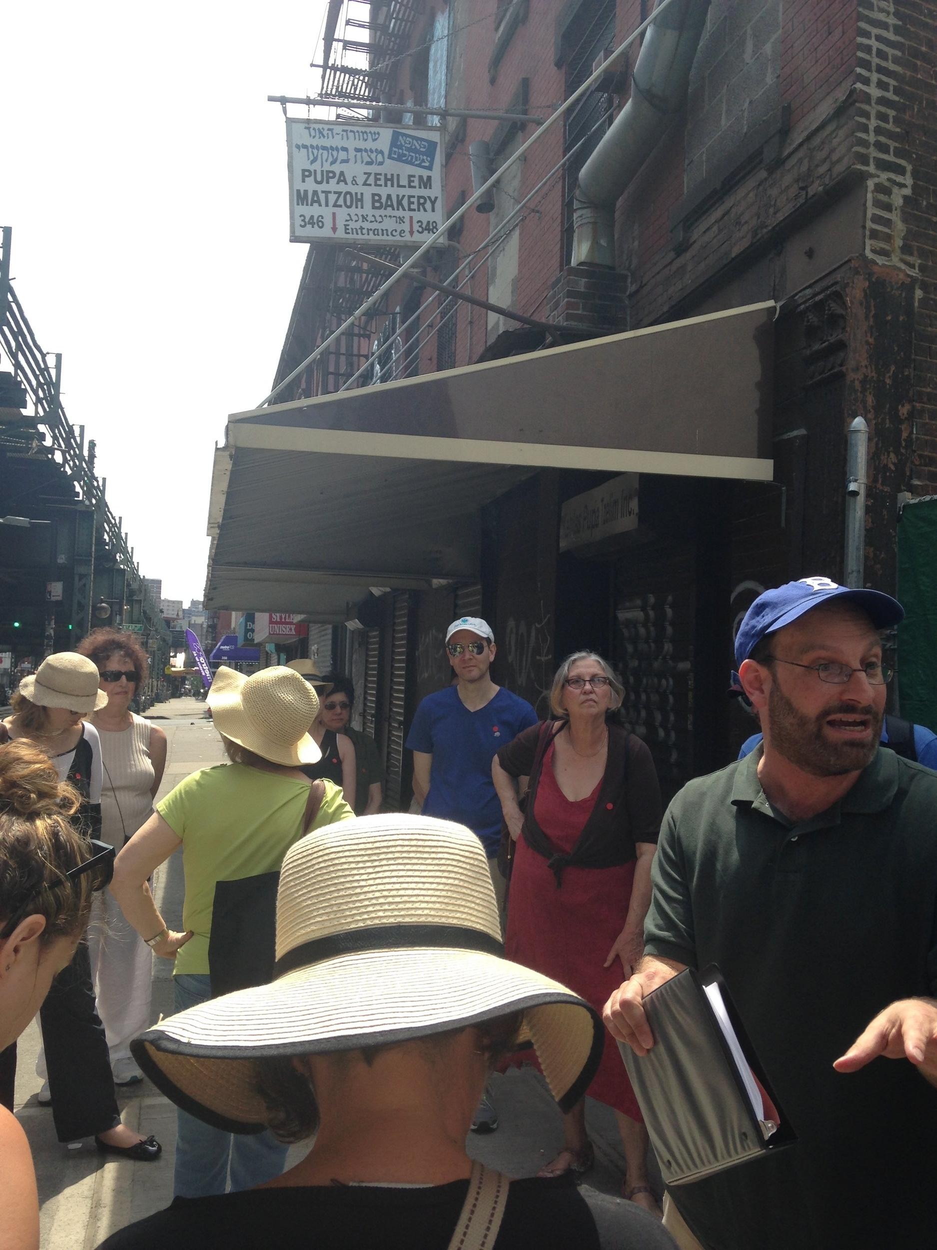 Rabbi Kalb on Williamsburg tour.jpg