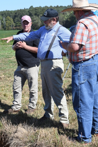 KyCorn Vice President Richard Preston participated in the field day that brought farmers and agribusiness professionals from several states. Photo courtesy of Farm Scholar LLC.
