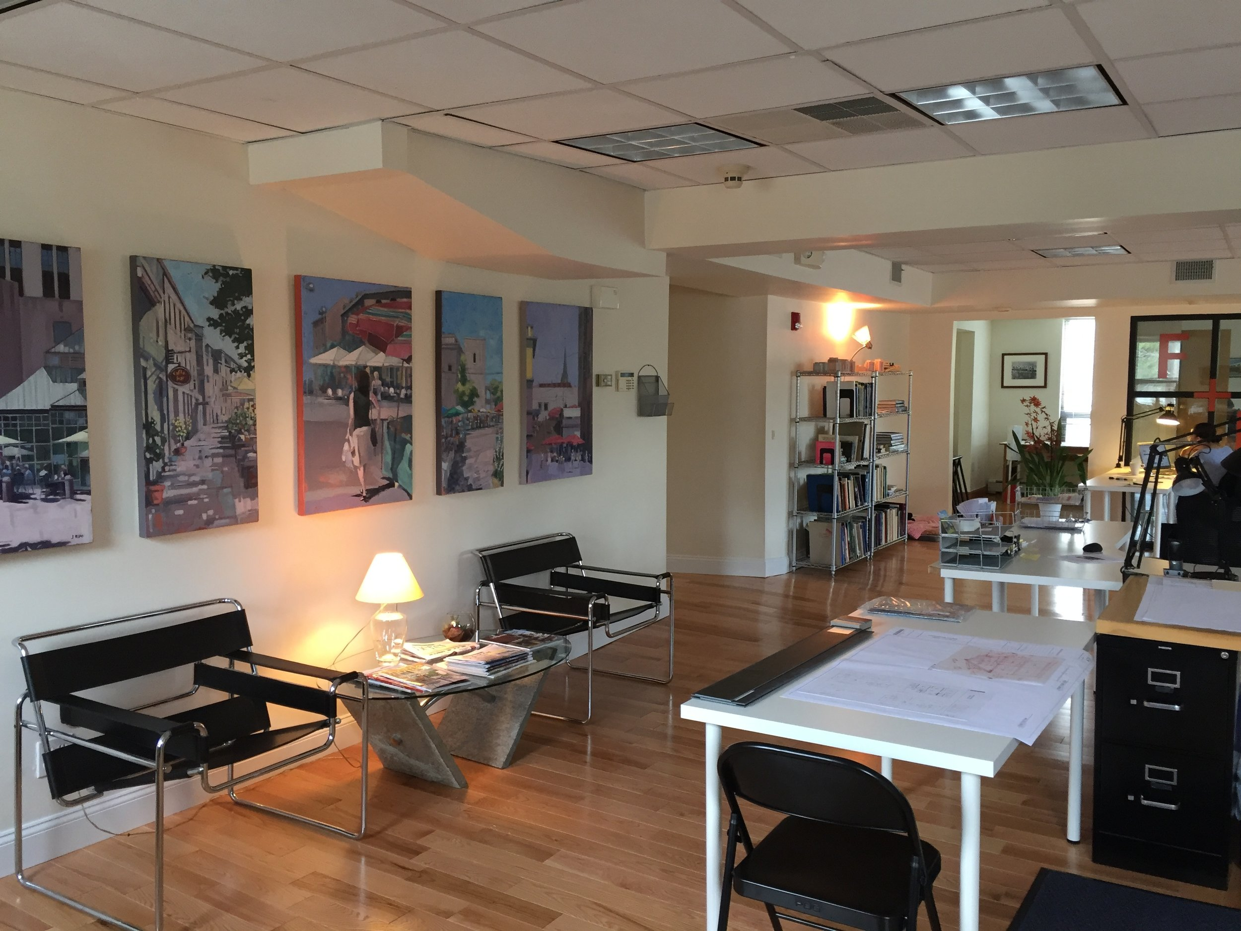 Integrating gallery space into an office landscape