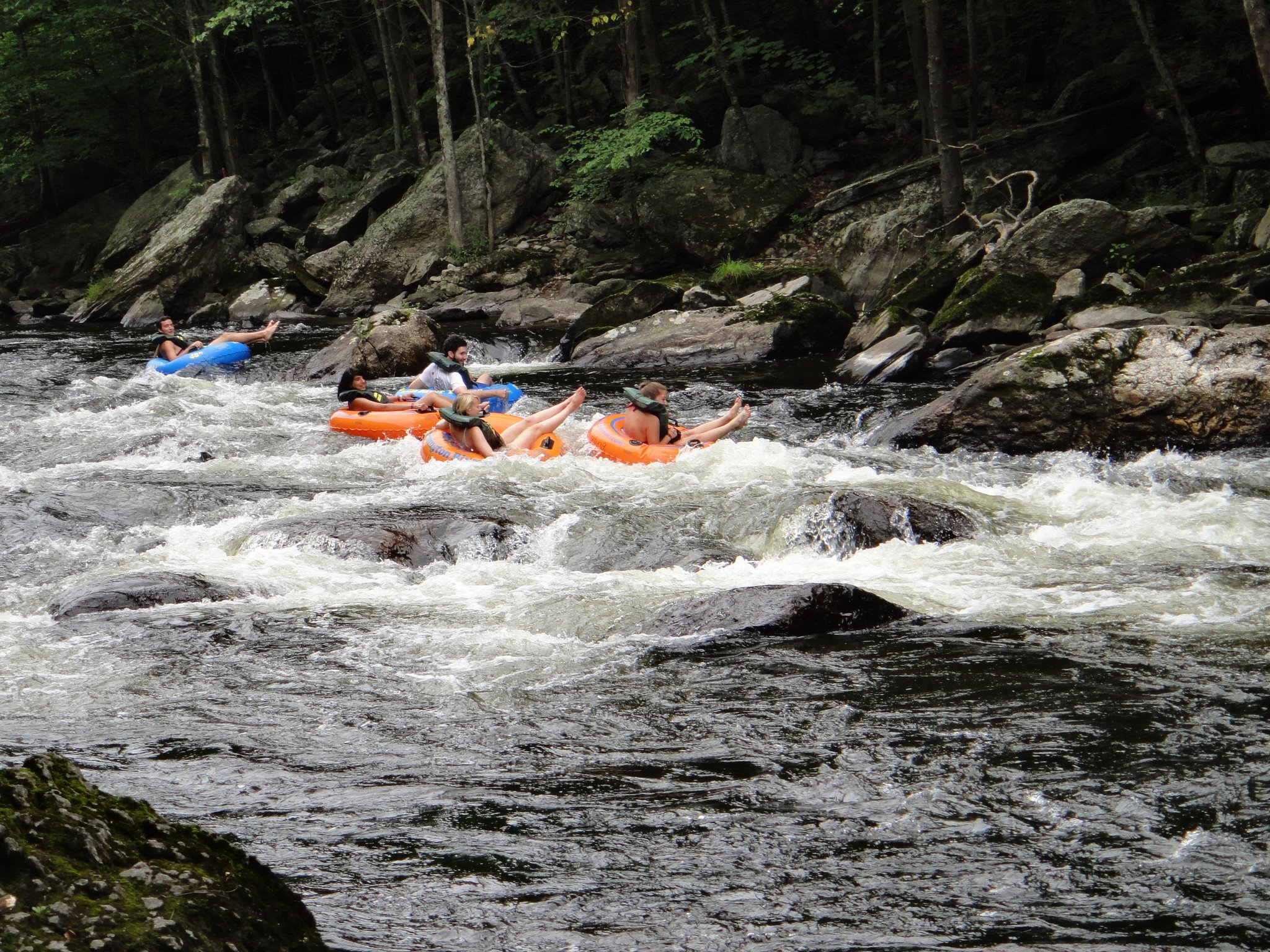 facebook.com/Farmington-River-Tubing