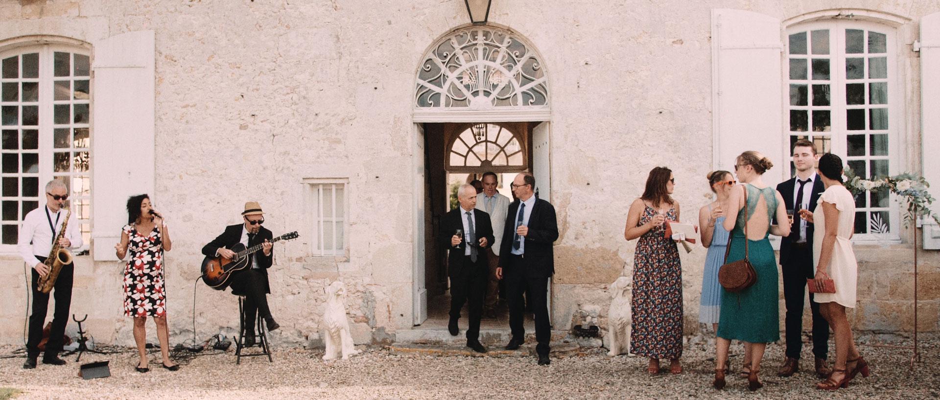 Lucie & Francois -  Chateau la Tourbeille Bordeaux Dordogne (17).jpg