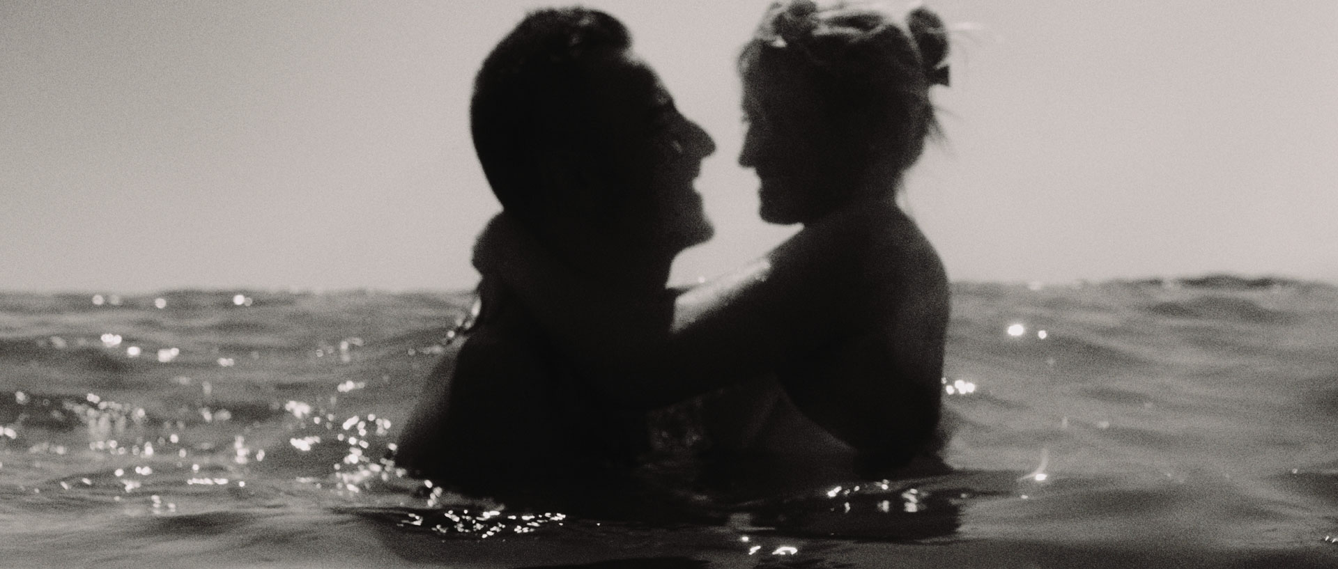 Delphine & Romulad Domaine Moures Bord de Mer Film Mariage (2).jpg