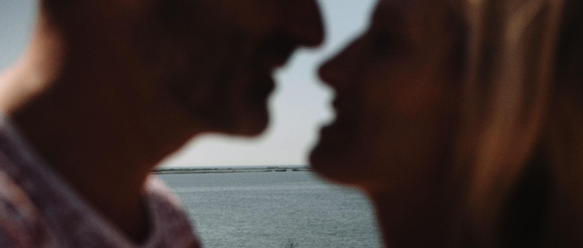 Delphine & Romulad Domaine Moures Bord de Mer Film Mariage (3).jpg