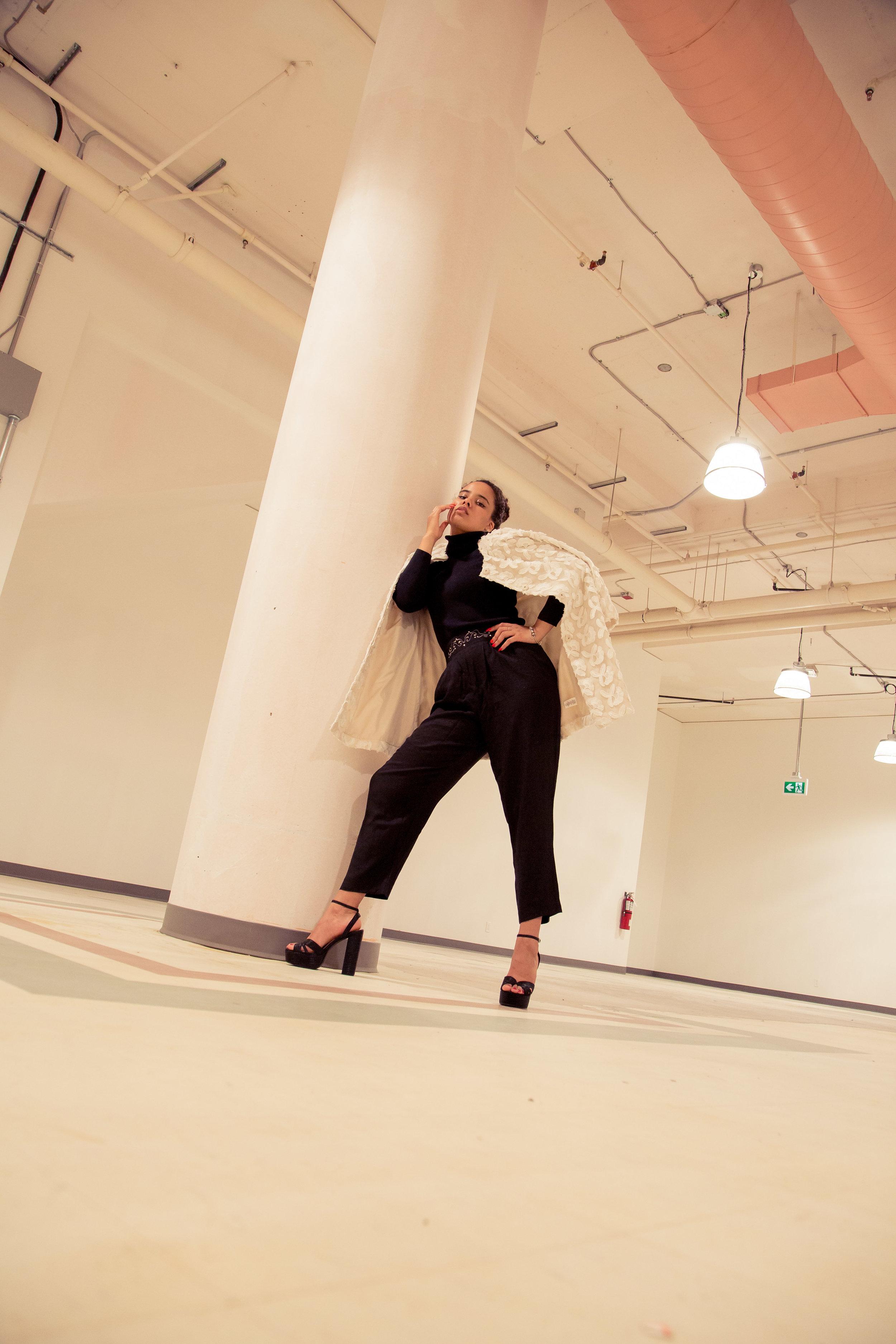 Viktoria-Stringer-Studio-2.JPG