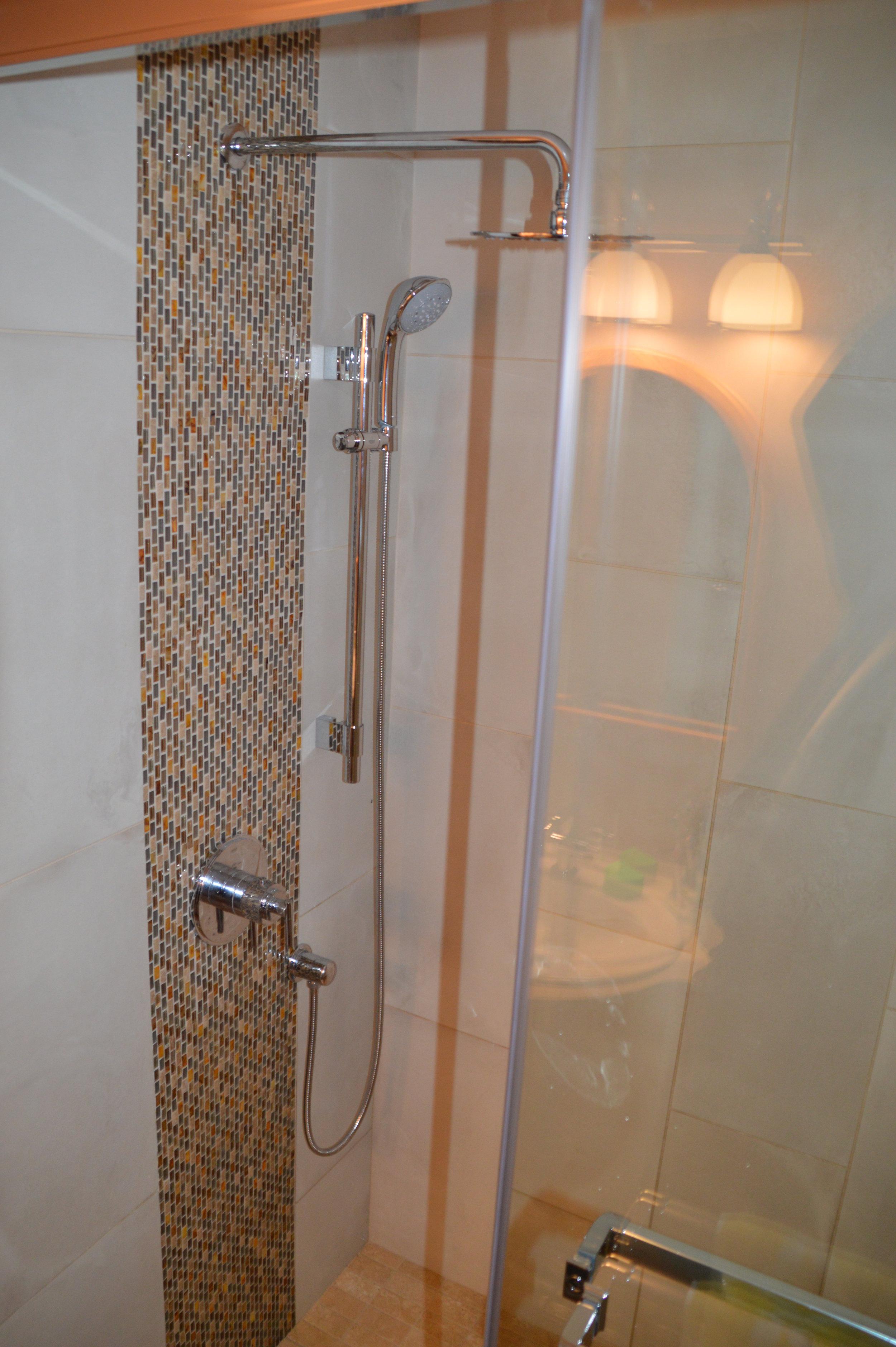 Bath 2c.JPG