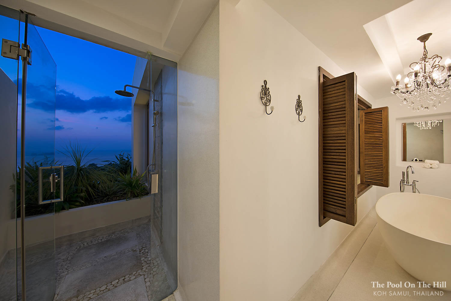 How to rent a villa in Thailand? Does anyone in your group require a bathtub, or would they love an indoor/outdoor shower?