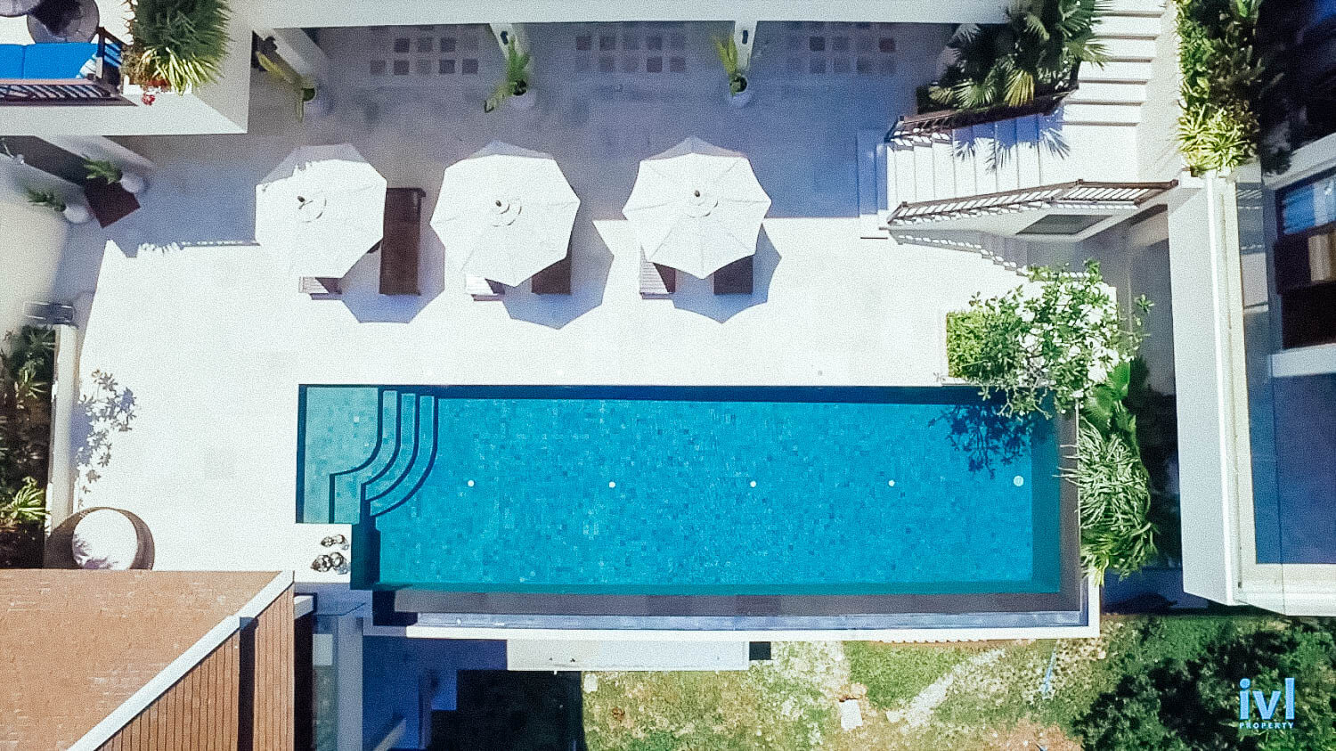 How to rent a villa in Thailand? Our FAQs explain our no-smoking policy, our infinity-edge pool and give more detail about walking to the beach.