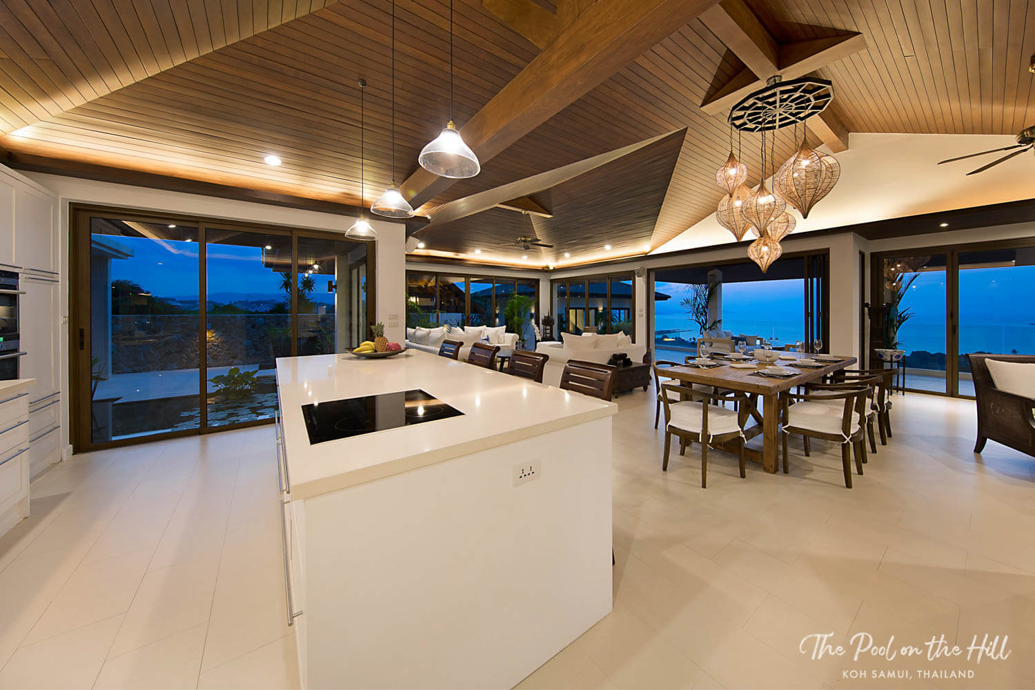Koh Samui villa: Discover your in-villa dining options at The Pool on the Hill – Dinner options include a private Thai chef or a barbeque at home in your villa.