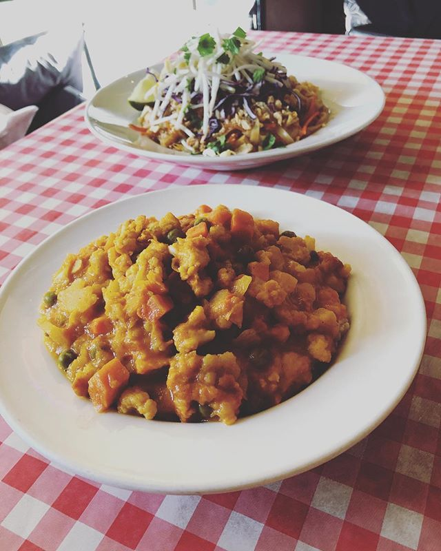 Have you tried our new VEGGIE CURRY served on brown rice!? 👌 It's so good you'll want to tell all your friends about it!  #GoneEatery  #goneeatrywhistler  #goodfood #greatprice #whistler  #whislife  #comfortfood