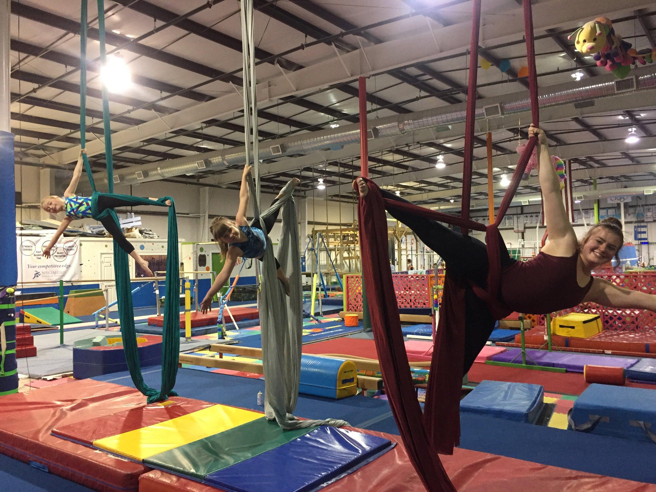 aerial-acrobatics-kids-circus
