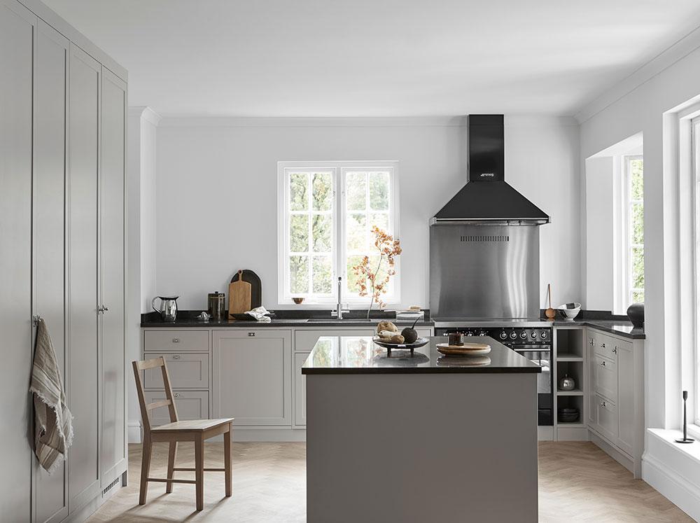 Nordiska-Kök-grey-shaker-kitchen.jpg