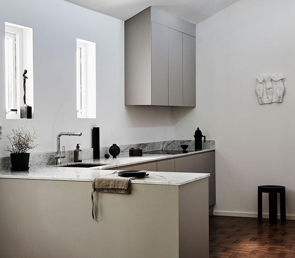 nordiska-kök-light-grey-kitchen.jpg