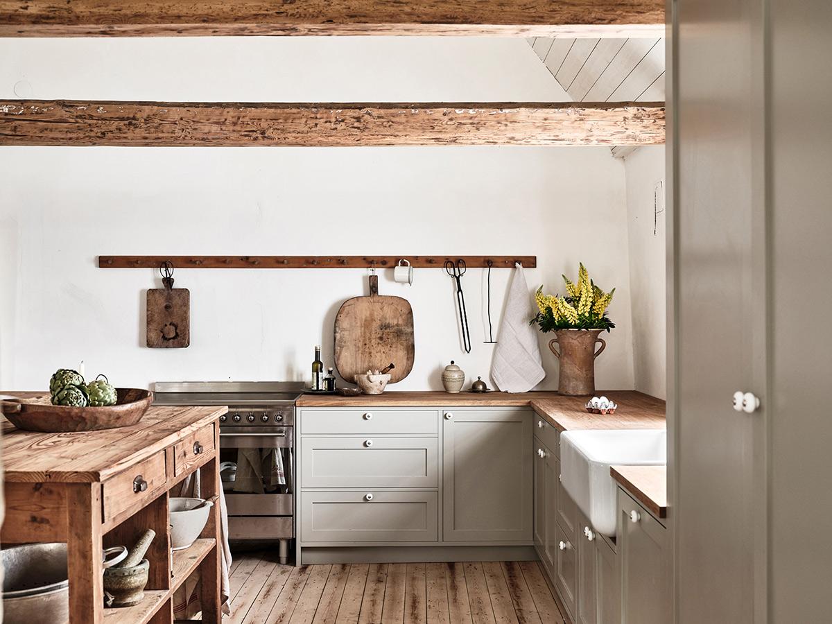 Nordiska-kok-ellen-dixdotter-shaker-kitchen-room.jpg