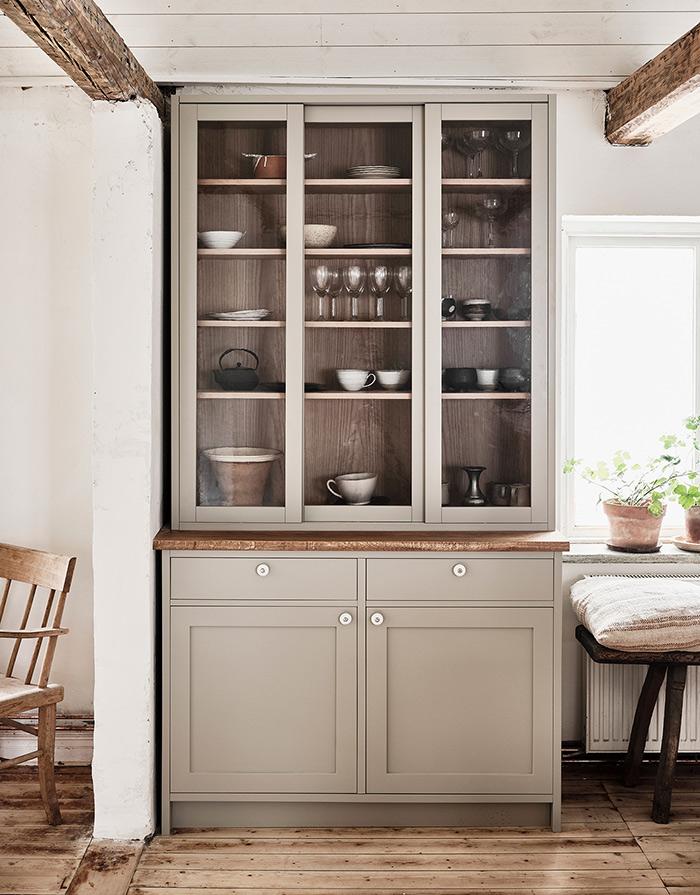 Nordiska-kok-ellen-dixdotter-shaker-cabinet.jpg