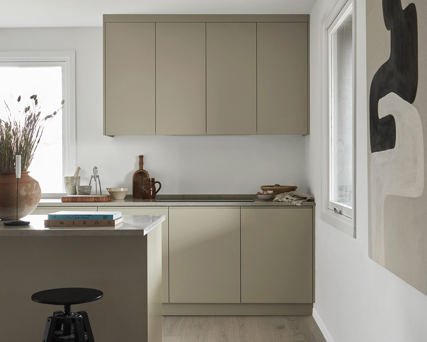 2. Measuring - Now is the time to measure. With the help of our simple measuring guide, you will have to fill in some measurements in your kitchen. Then it is time for us to start drawing and planning the kitchen based on your wishes and needs.