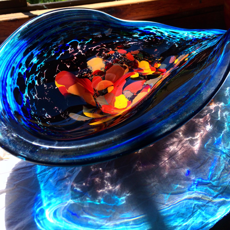 Gerry-Reilly-Tidepool-Platter-blown-glass-500mm-x-275mm.jpg