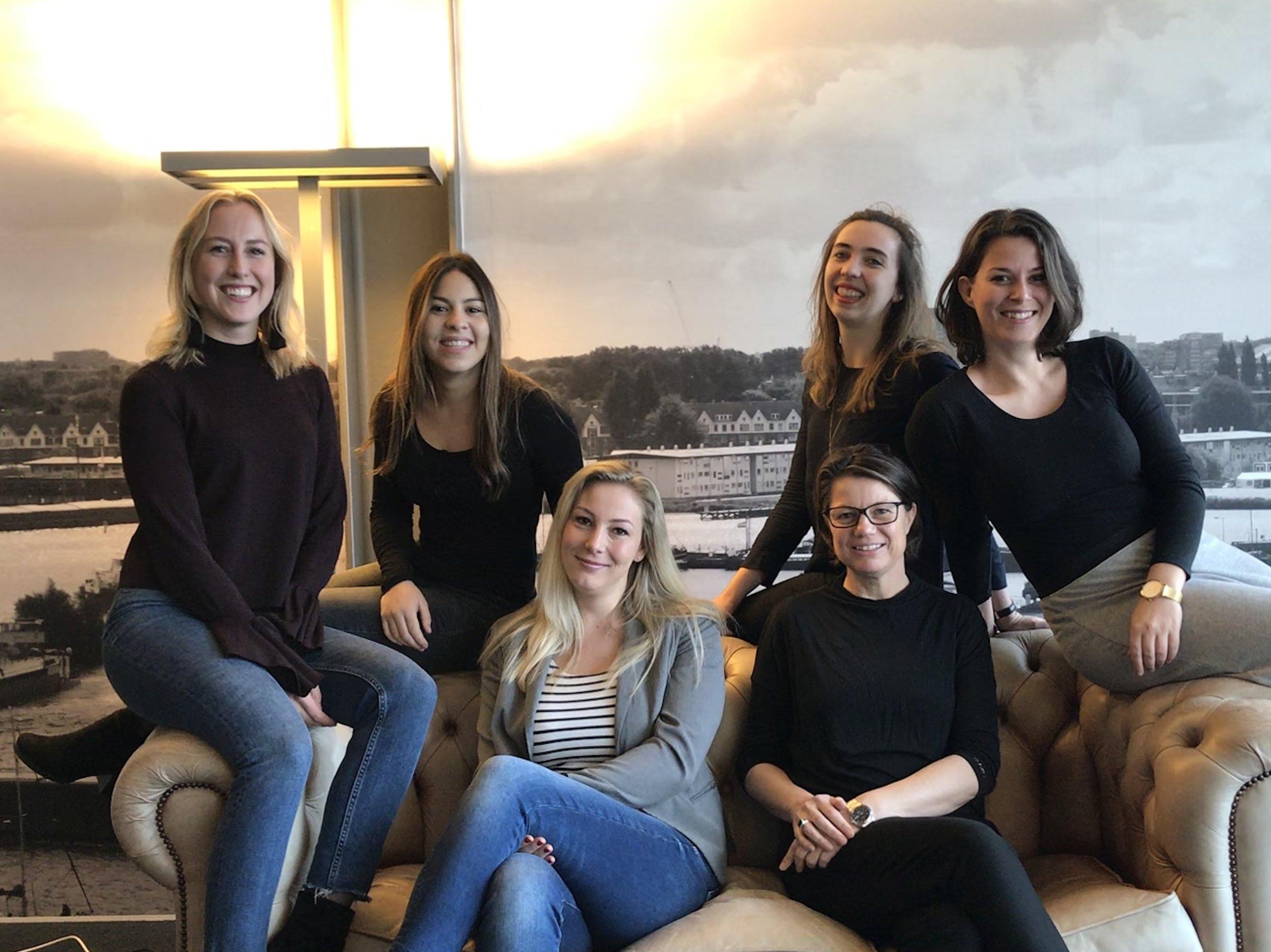 Het vrouwen team van Rapid Circle (v.l.n.r: Britt, Raissa, Anna, Nicole, Hanneke, Esther (niet op de foto: Cocky en Iris)
