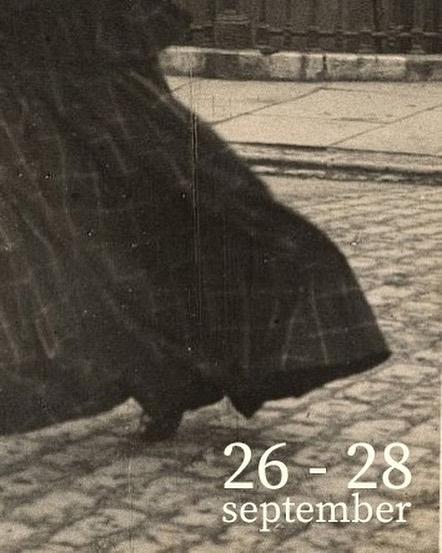 🖌 SAVE THE DATE 🖌 Snart avslöjar vi sommarens och höstens stora projekt. Så länge kan ni doppa pennan i bläck och skriva in 26-28 september i era almanackor. . . . . . #kärakristinejensen #kkj #kærekristinejensen #11thhousecollective