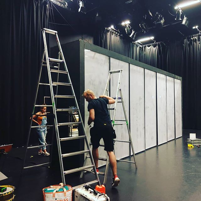 Vi er flyttet ind på Inkonst i Malmö!  Se mer når vi spiller forestilling 26-28 september  #rehearsalweek #repvecka #kärakristinejensen #11thhousecollective #savethedate #kkj