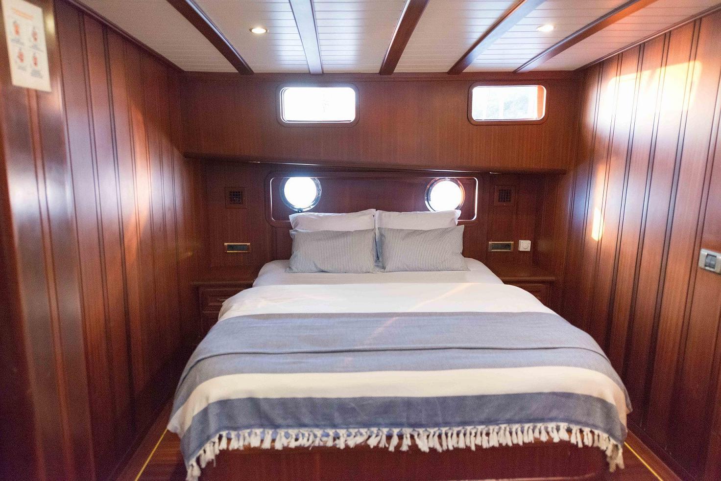 10 - Forward  Guest Cabin.jpg