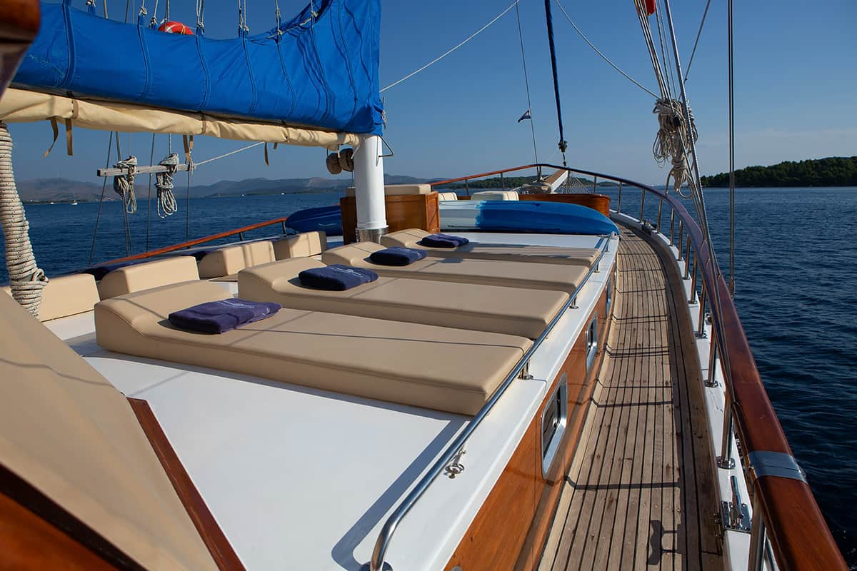MALENA-Sun-deck.jpg